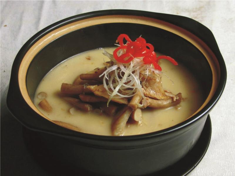 咸魚燉茶樹菇